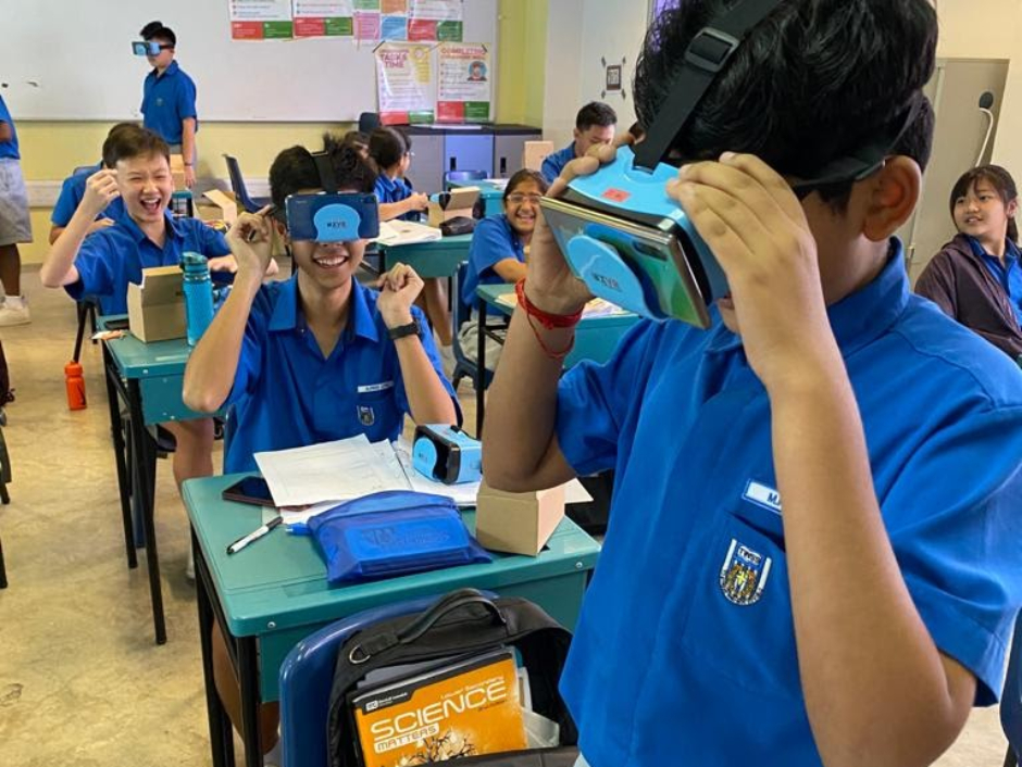 With a simple plastic headset, students can experience VR on their mobile devices. (Photo taken in January 2020)